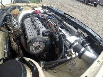 Motor 16V Turbo-G-Ladermotor VWTG , wir haben den G-Lader und den Abgasturbolader vereint.