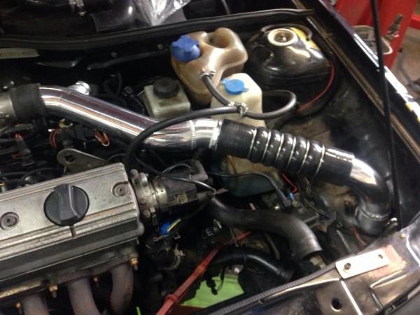 Polo II G40 Ladeluftkühler-Kit mit Ladedruckrohre, Auslassbogen und Schläuchen